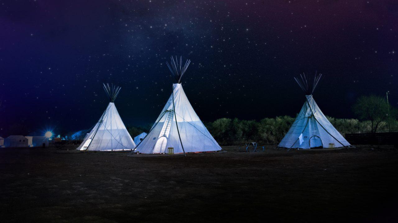 星空の下のテント